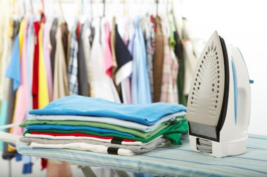 Repassage de vêtements